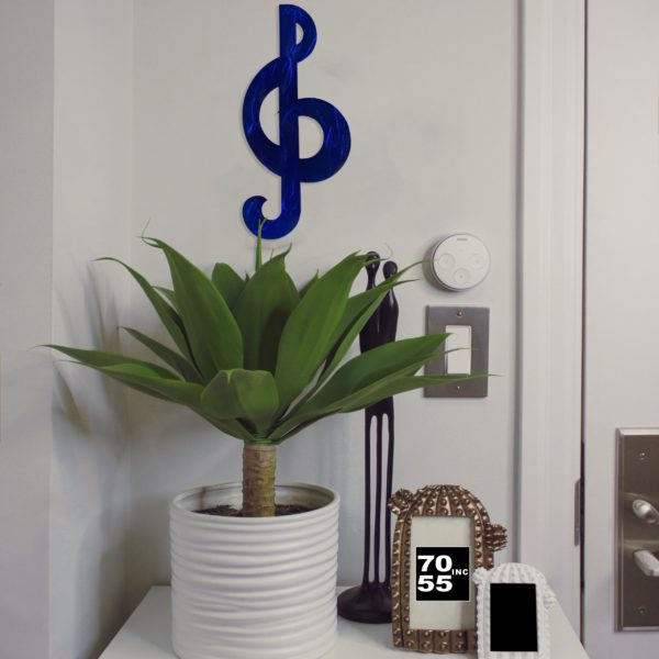 candy-blue-treble-clef-by-door-scaled